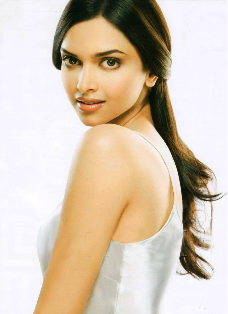 Deepika Padukone In Om Shanti Om As Sandy