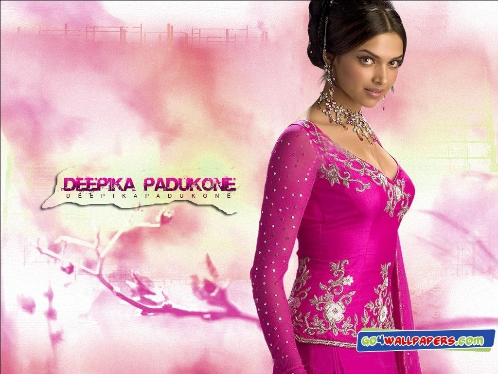 Deepika Padukone In Om Shanti Om Wallpapers